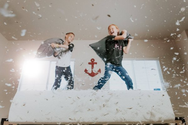 小学生が友達の家で勉強するときのマナー 迷惑をかけなるな!Photo by Allen Taylor on Unsplash