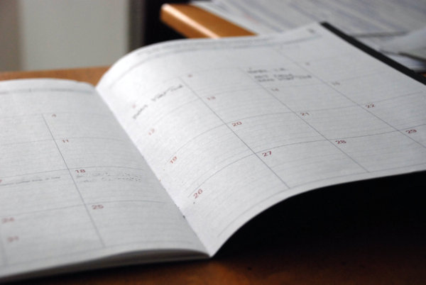 夏休みの宿題が超早く終わる方法!計画表を使うメリットが多い