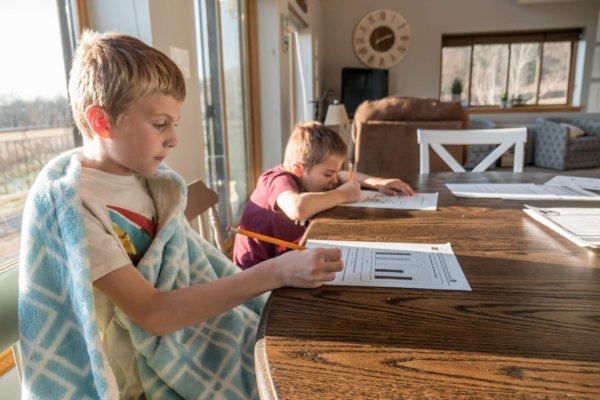 夏休みの宿題が多すぎる!小学1年生からこなす方法